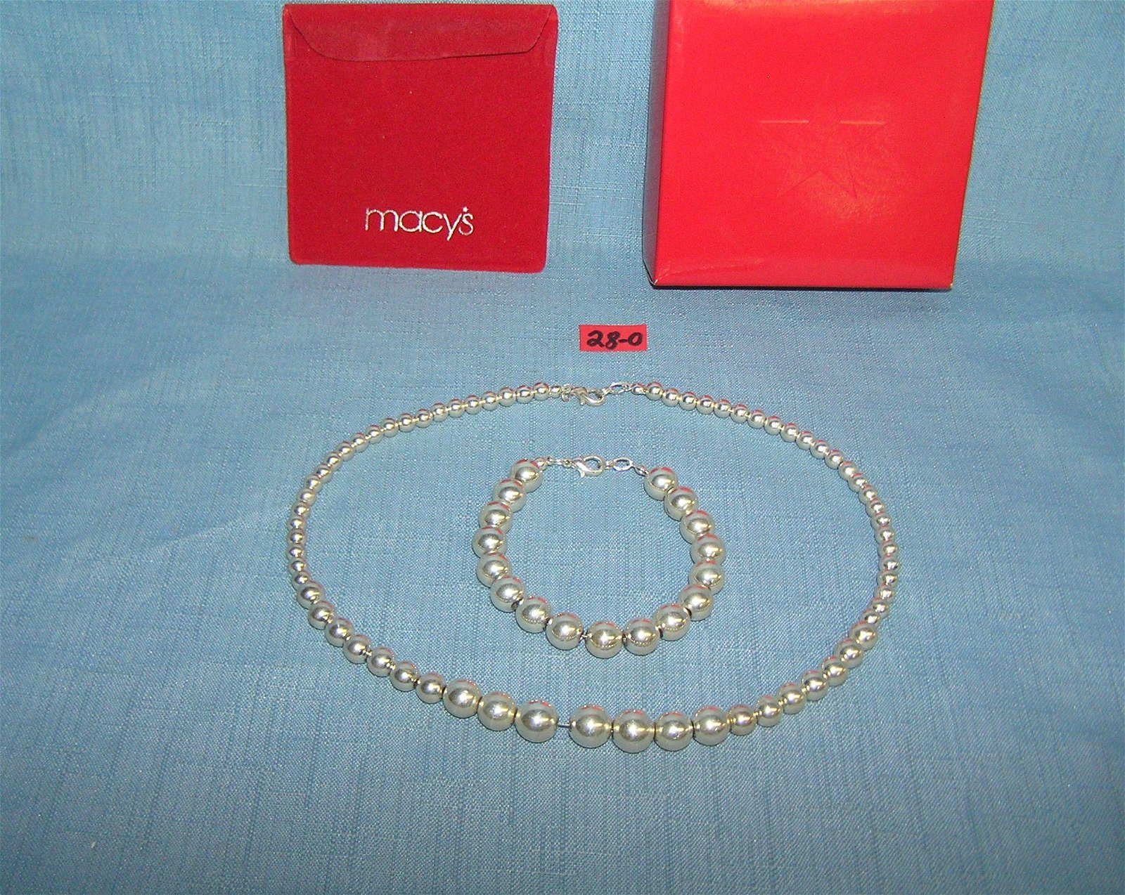 High quality silver tone necklace and bracelet set