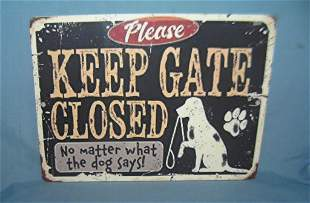 Please keep gate closed retro style advertising sign