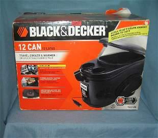 Black and Decker 12 can 12 volt travel cooler