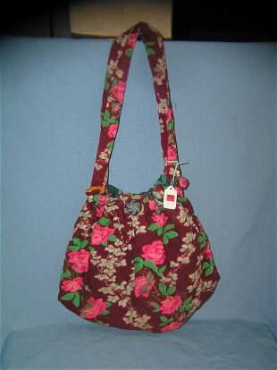 Vintage floral decorated hand bag