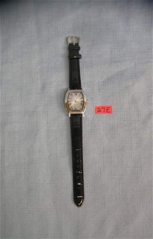 Quality gentleman's wrist watch with leather band