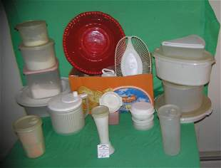 Large group of vintage Tupperware and plastic ware