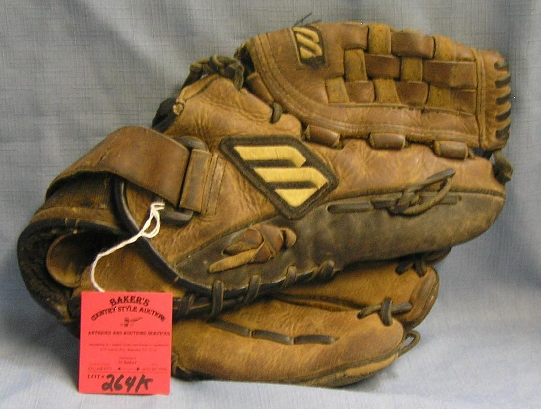 Vintage Mizuno leather baseball glove
