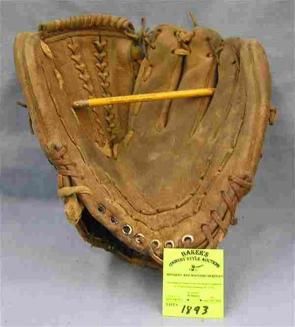 Vintage Leather Matty Alou baseball glove