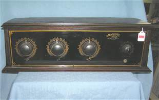 Antique Metrodyne Super Five table top radio