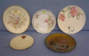 Group of 5 collectable plates