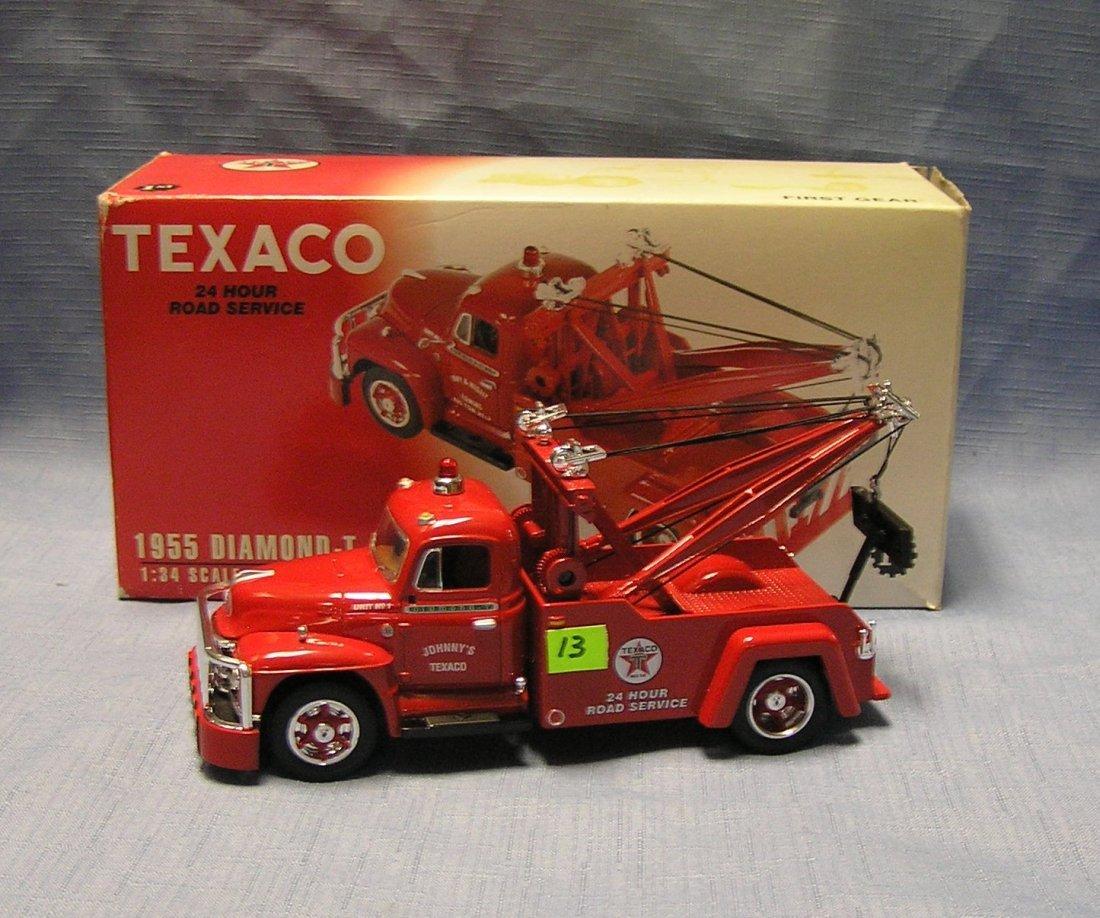 Vintage style Texaco Diamond T wrecker tow truck