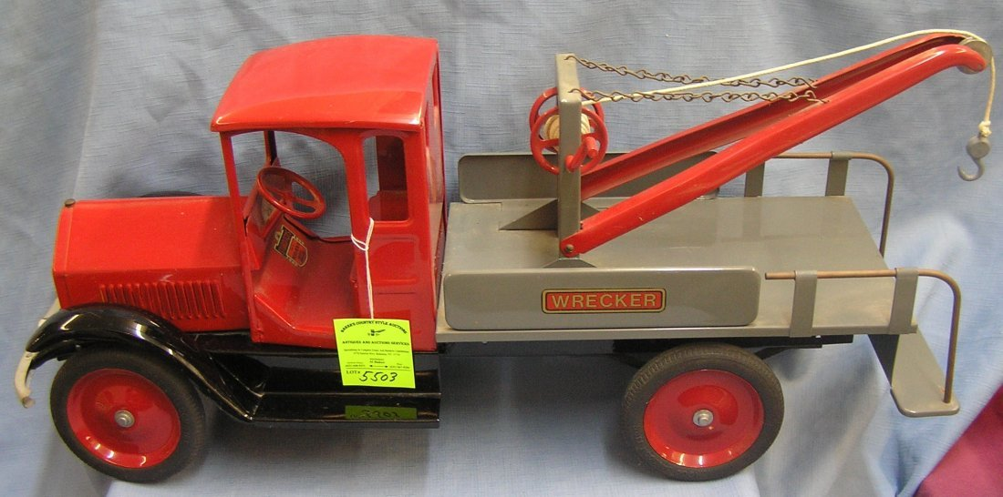 Large Sturditoy pressed steel wrecker truck