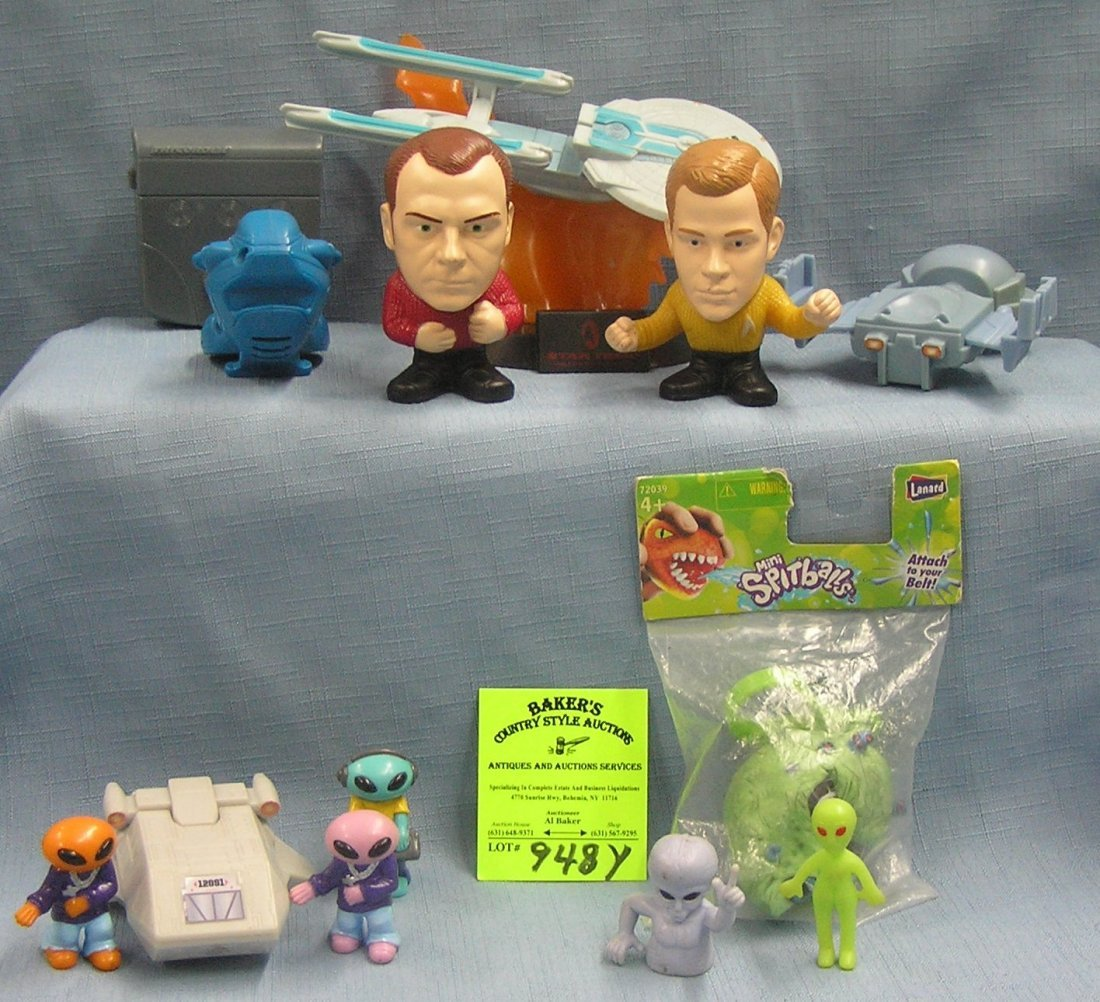 Group of 13 Star Trek and space toy collectibles
