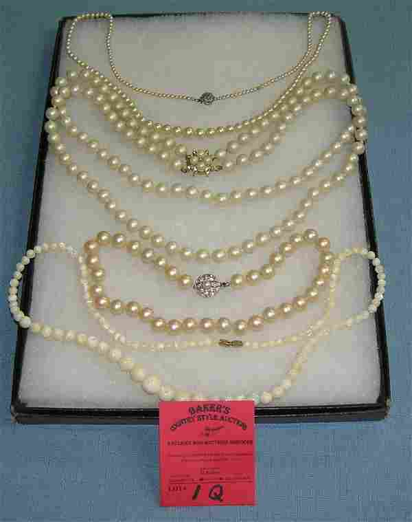 Group of vintage costume jewelry pearl necklaces