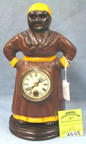 Mammy With Hands On Hip Blinking Eye Clock
