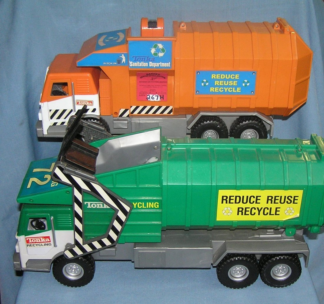 Pair of Tonka toy garbage trucks