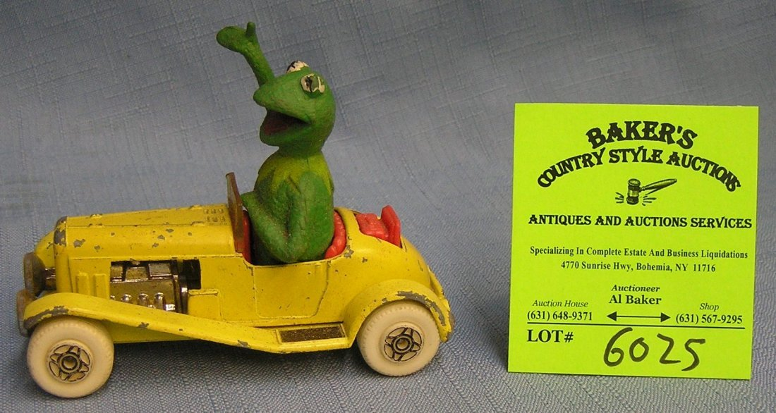 Vintage Kermit the Frog Muppets metal toy car and