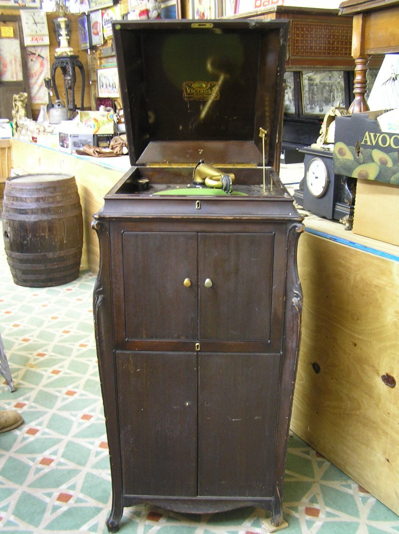Antique RCA victor phonograph with gold trim