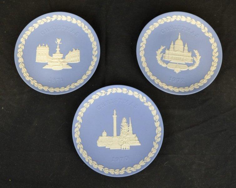 3 Wedgwood Christmas Plates 1970, 1971, 1972 3 Wedgwood