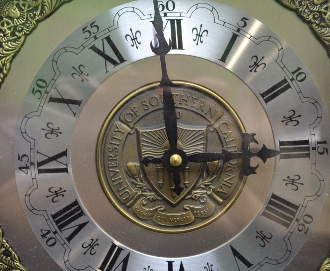 Vintage BULOVA Mantel Clock- USC Center Plate Vintage - 3