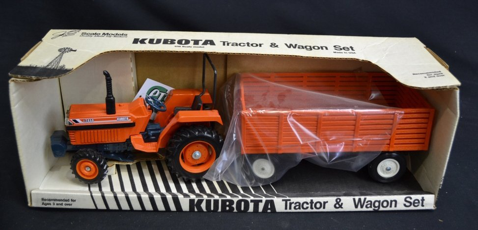 Kubota Tractor & Wagon Set Kubota Tractor & Wagon Set