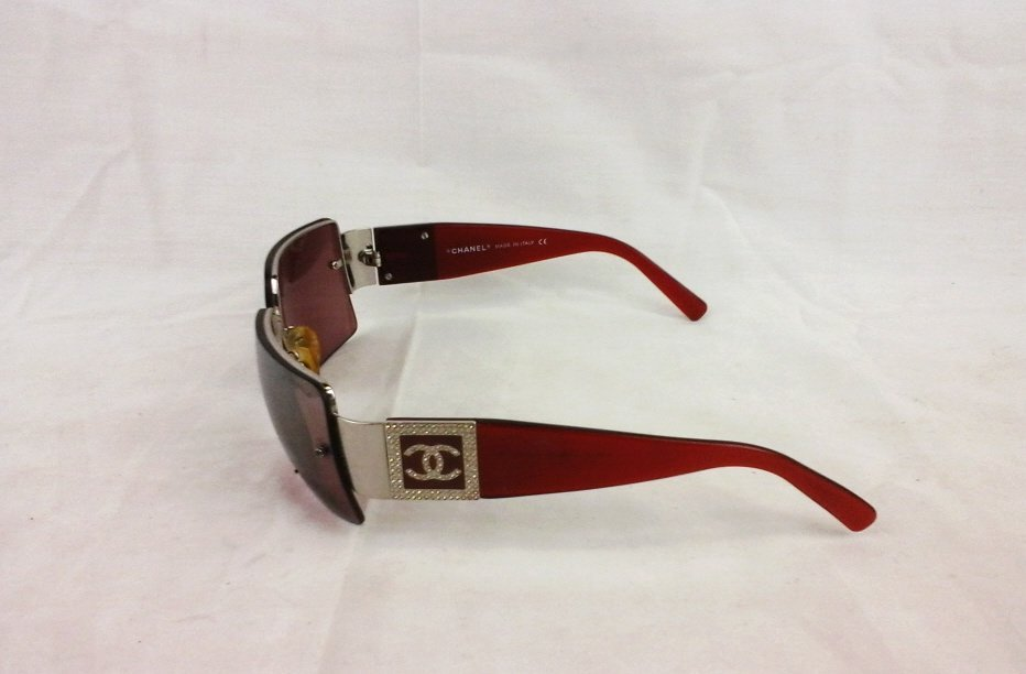 Women's Chanel Sunglasses Model 4095 B - 2