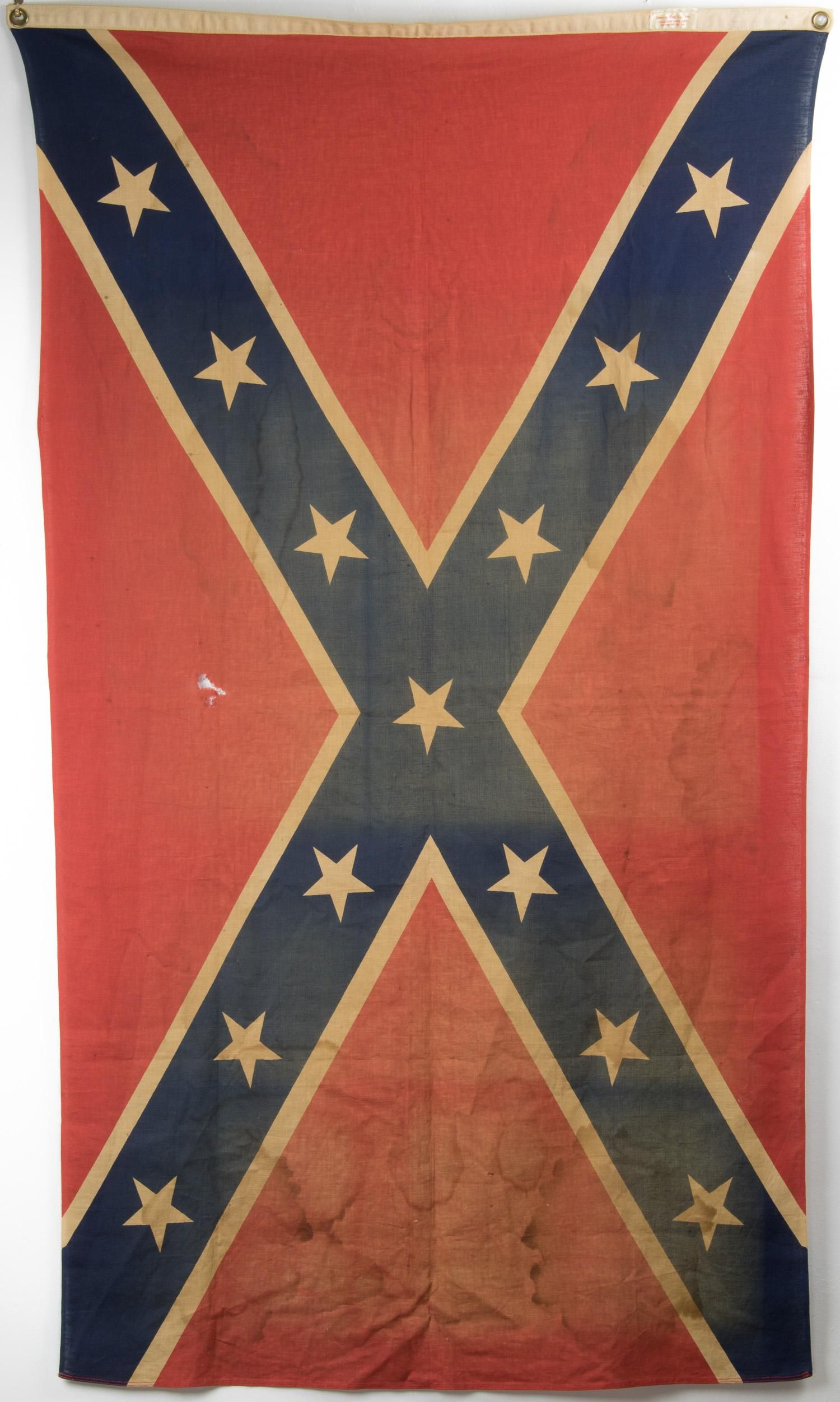 KLANSMEN'S PATCH AND CONFEDERATE FLAG