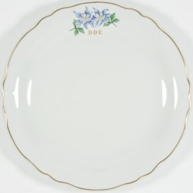 A DINNER PLATE FROM DWIGHT EISENHOWER'S AIR FORCE ONE