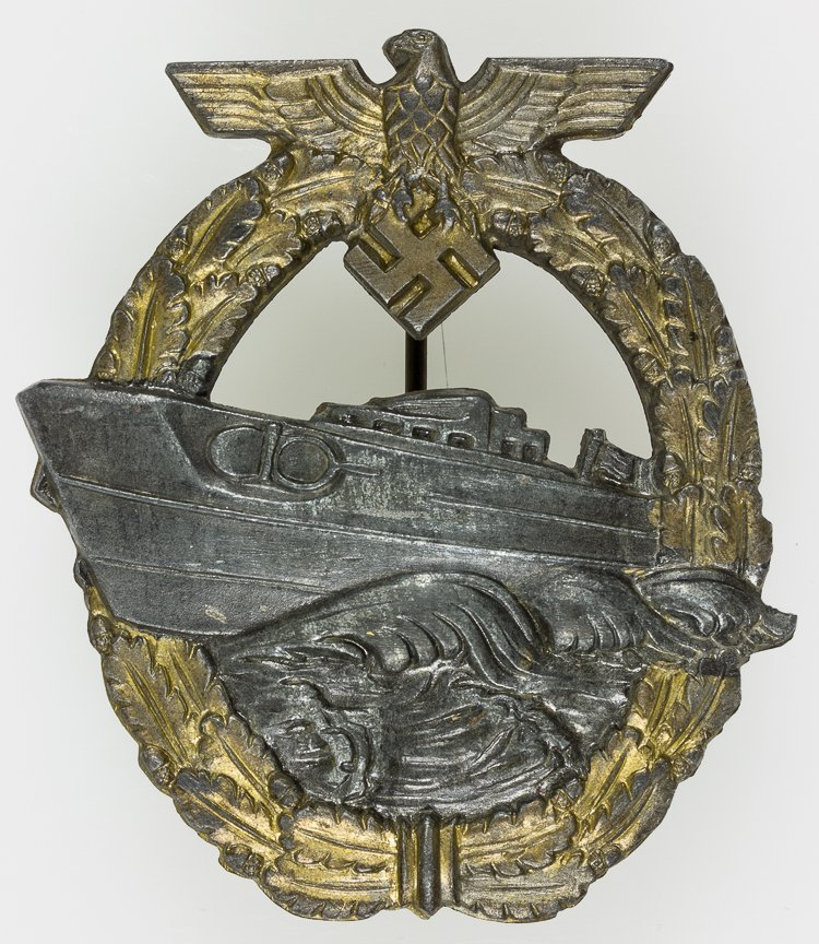 "KRIEGSMARINE SECOND PATTERN ""SCHNELLBOOT"" BADGE"