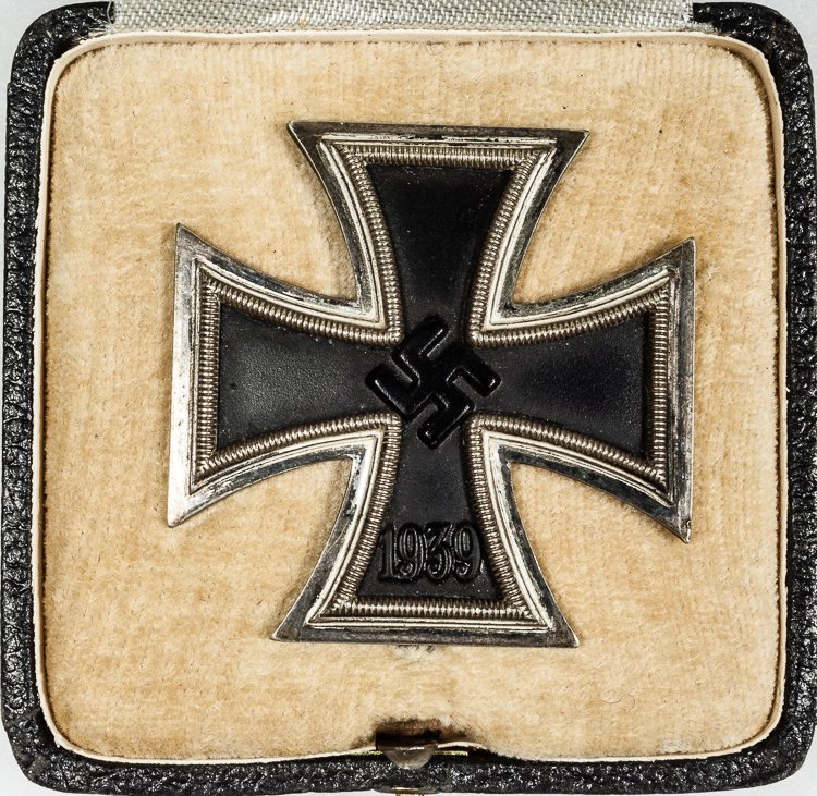IRON CROSS, FIRST CLASS WITH CASE