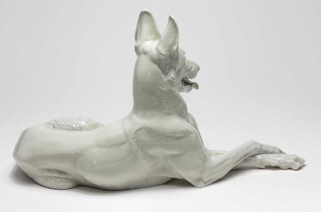 ADOLF HITLER'S ALLACH PORCELAIN ALSATIAN, TAKEN FROM - 3