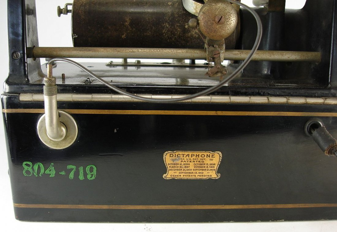 The Dictaphone Columbia Graphophone Company - 7
