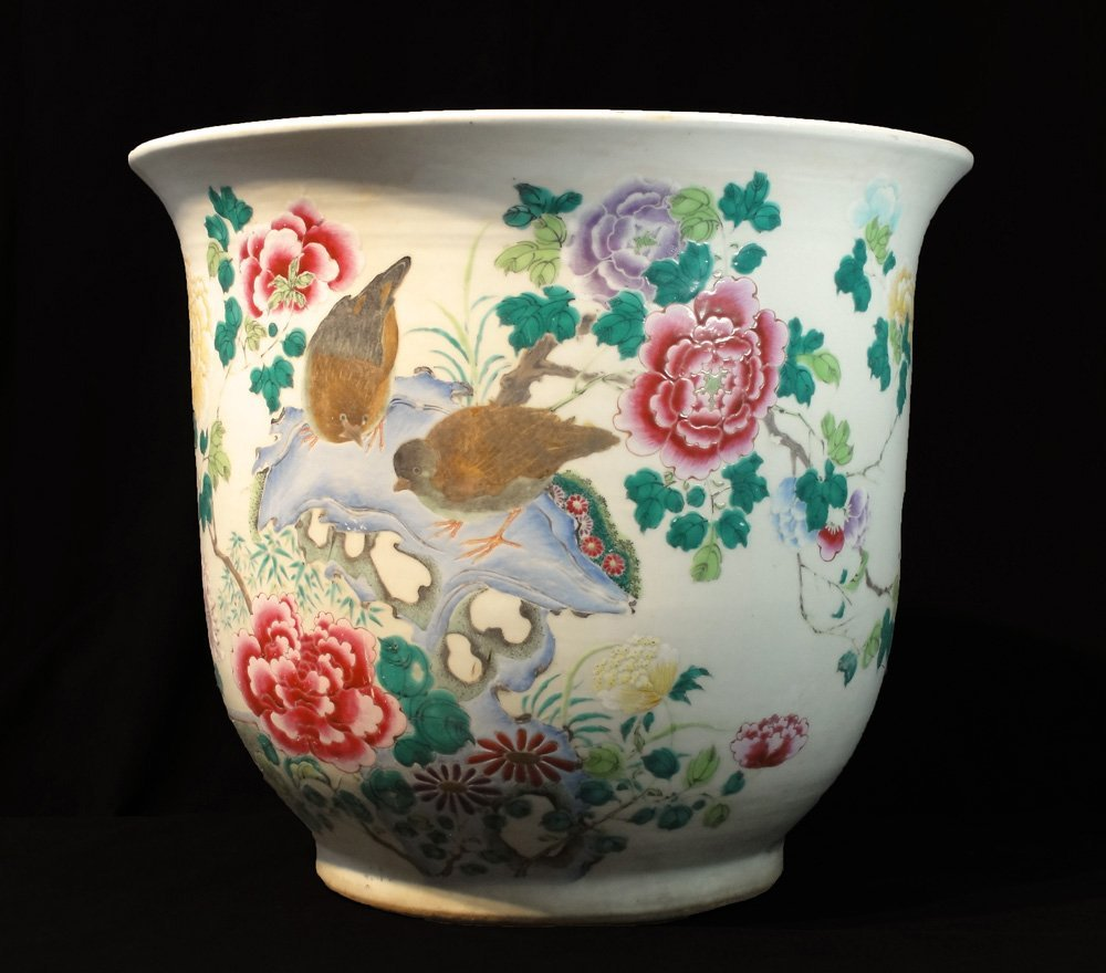 Very Large Chinese Porcelain Jardiniere Finely Painted