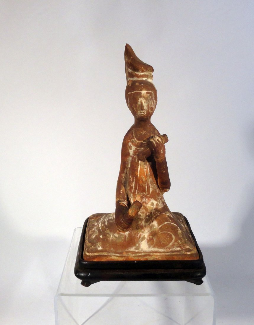 Chinese Han Dynasty Pottery Figure of a Musician Tomb