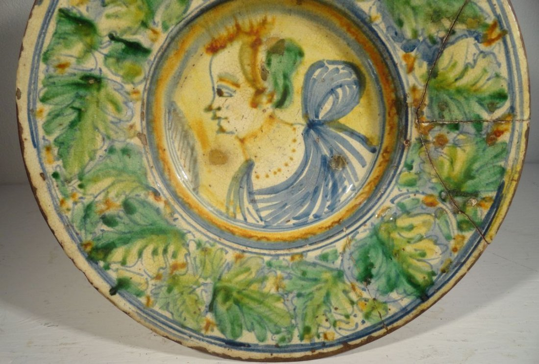 16th or Early 17th Cent Italian Majolica  Charger - 4
