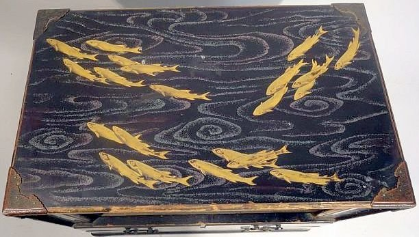 Fine Japanese Gilt Lacquer Cabinet Jewelry Case Fish