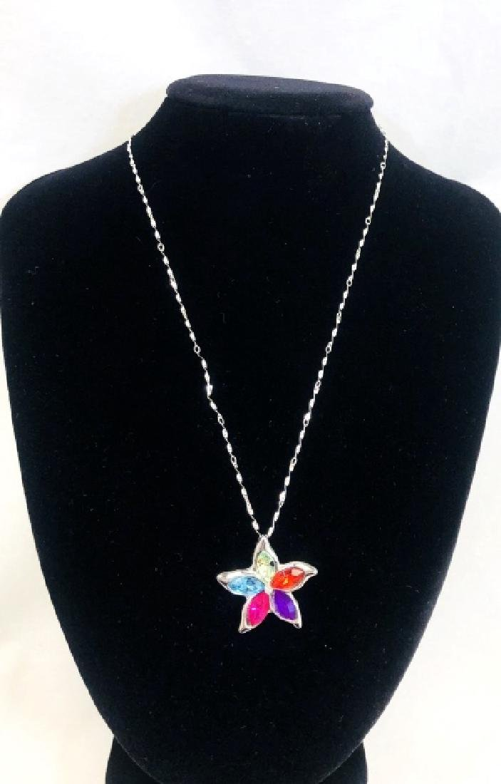 PRETTY AUSTRIAN CRYSTAL FLOWER PENDANT NECKLACE