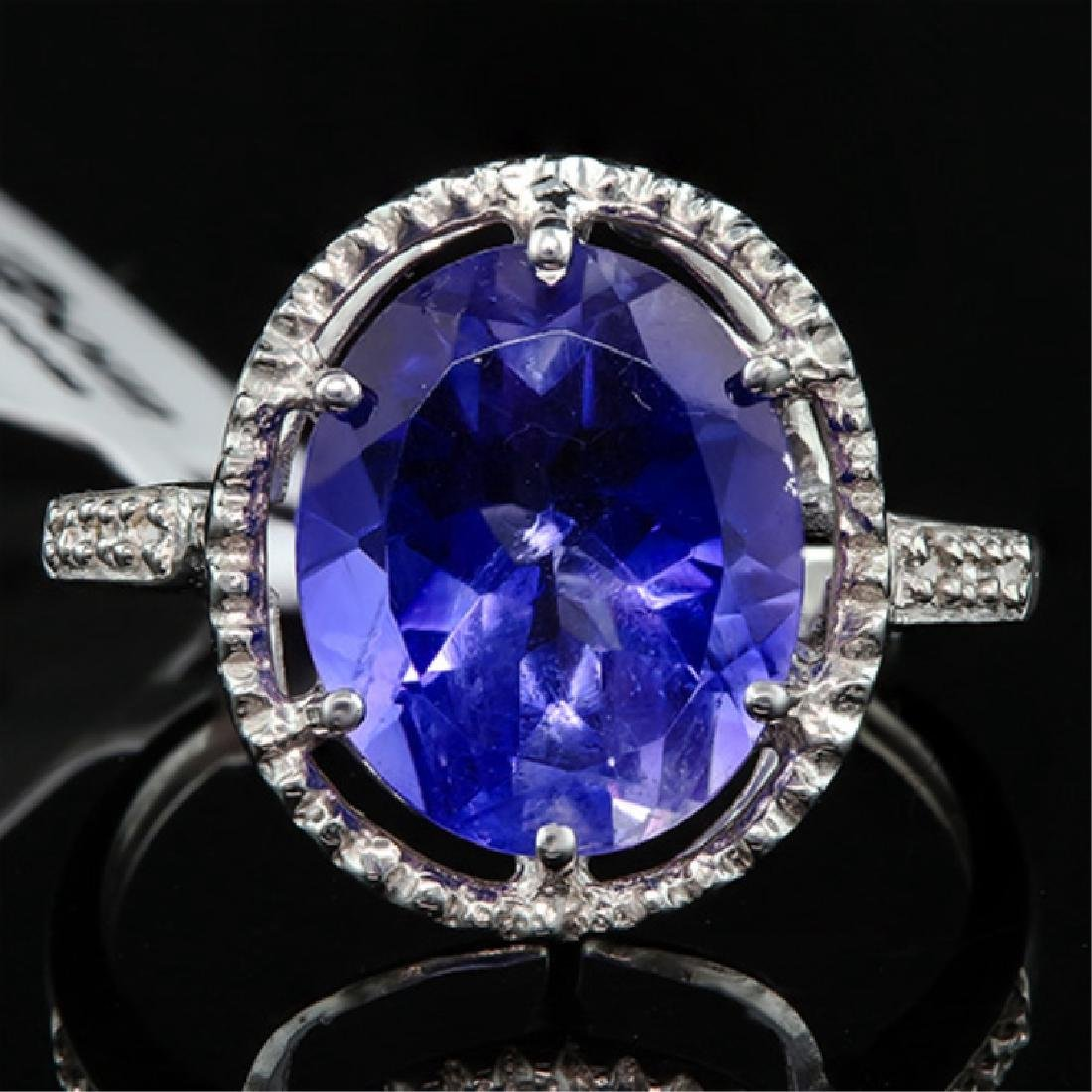 STUNNING 10K GOLD 7CT TANZANITE/DIAMOND OVAL RING