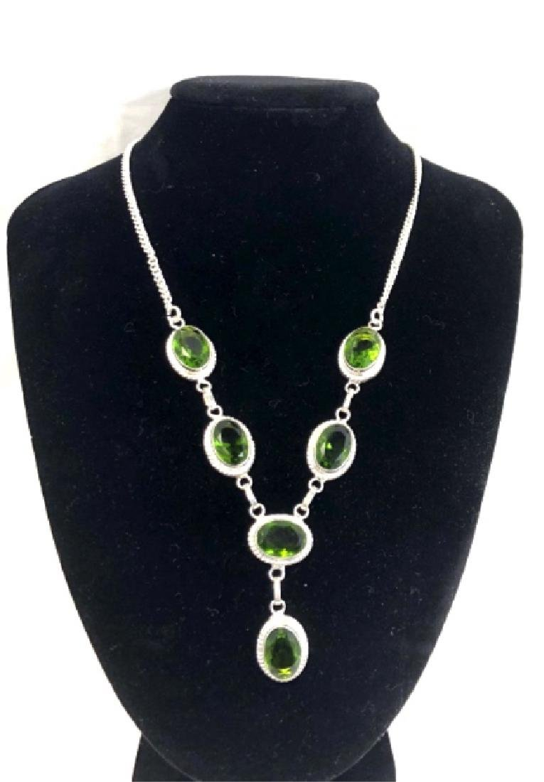 LADIES GORGEOUS 30CT PERIDOT FACETED NECKLACE