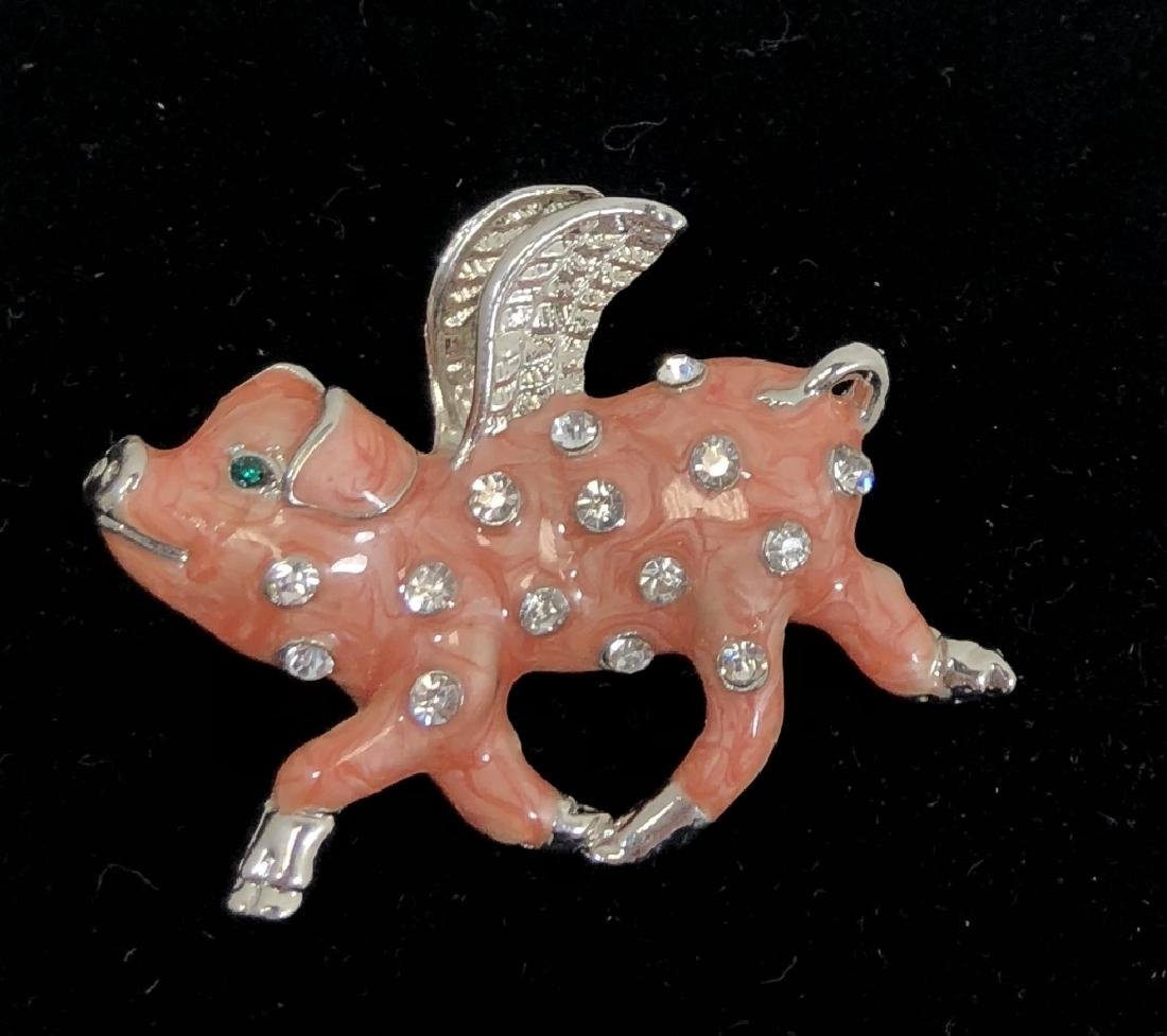 ADORABLE CRYSTAL ACCENT PINK PIG BROOCH