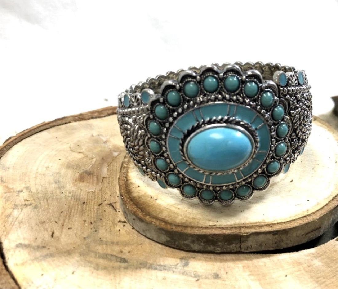 LADIES GLAM TURQUOISE STONE ACCENT BRACELET