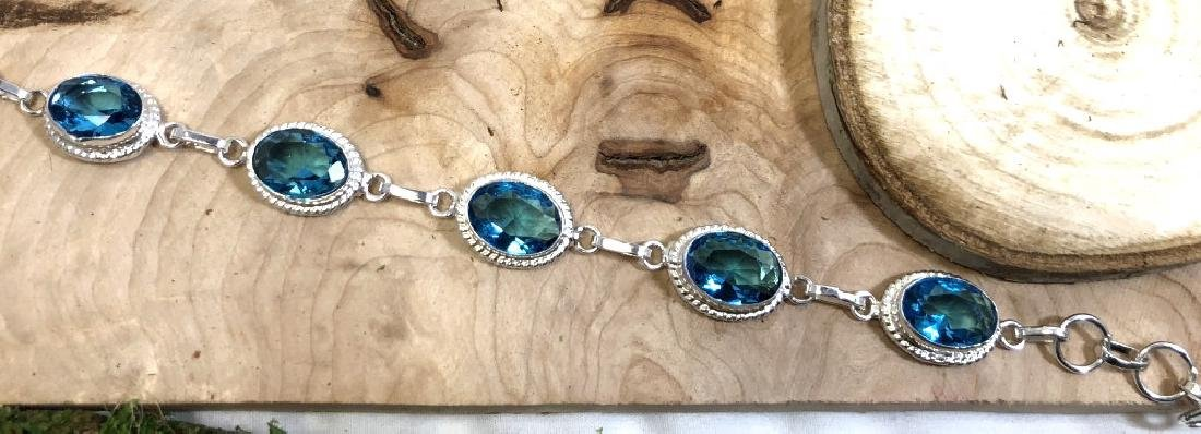 SPECTACULAR 25CT LONDON BLUE TOPAZ GEM BRACELET