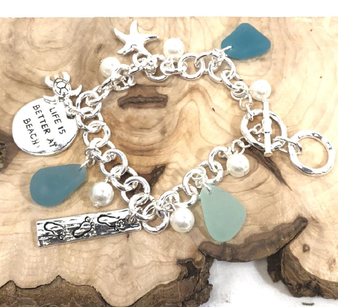 "CUTE ""LIFE IS BETTER AT THE BEACH"" CHARM BRACELET"