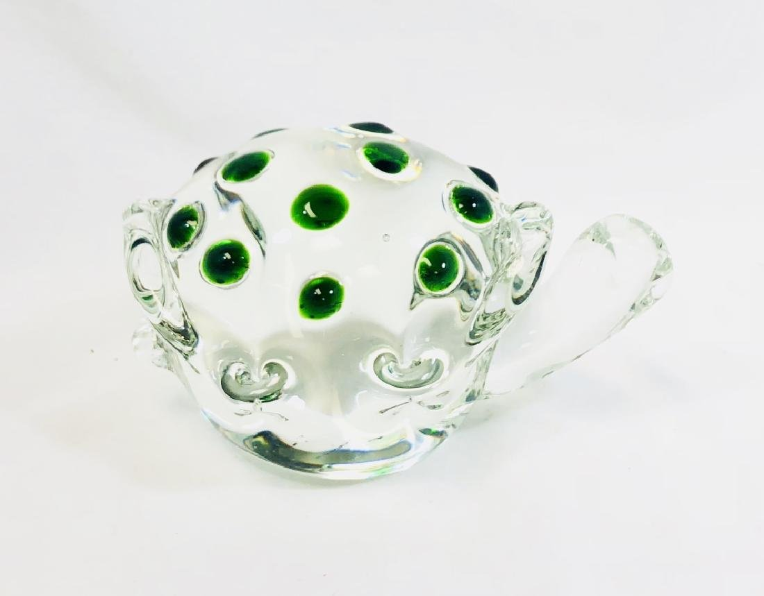 LOVELY GREEN SPECKLED ART GLASS TURTLE SCULPTURE