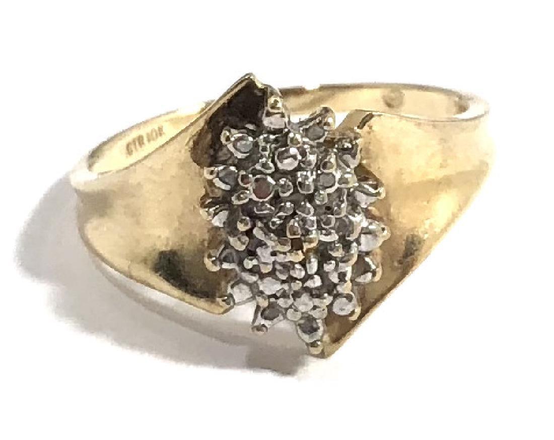 LADIES 10K GOLD DIAMOND CLUSTER ESTATE RING