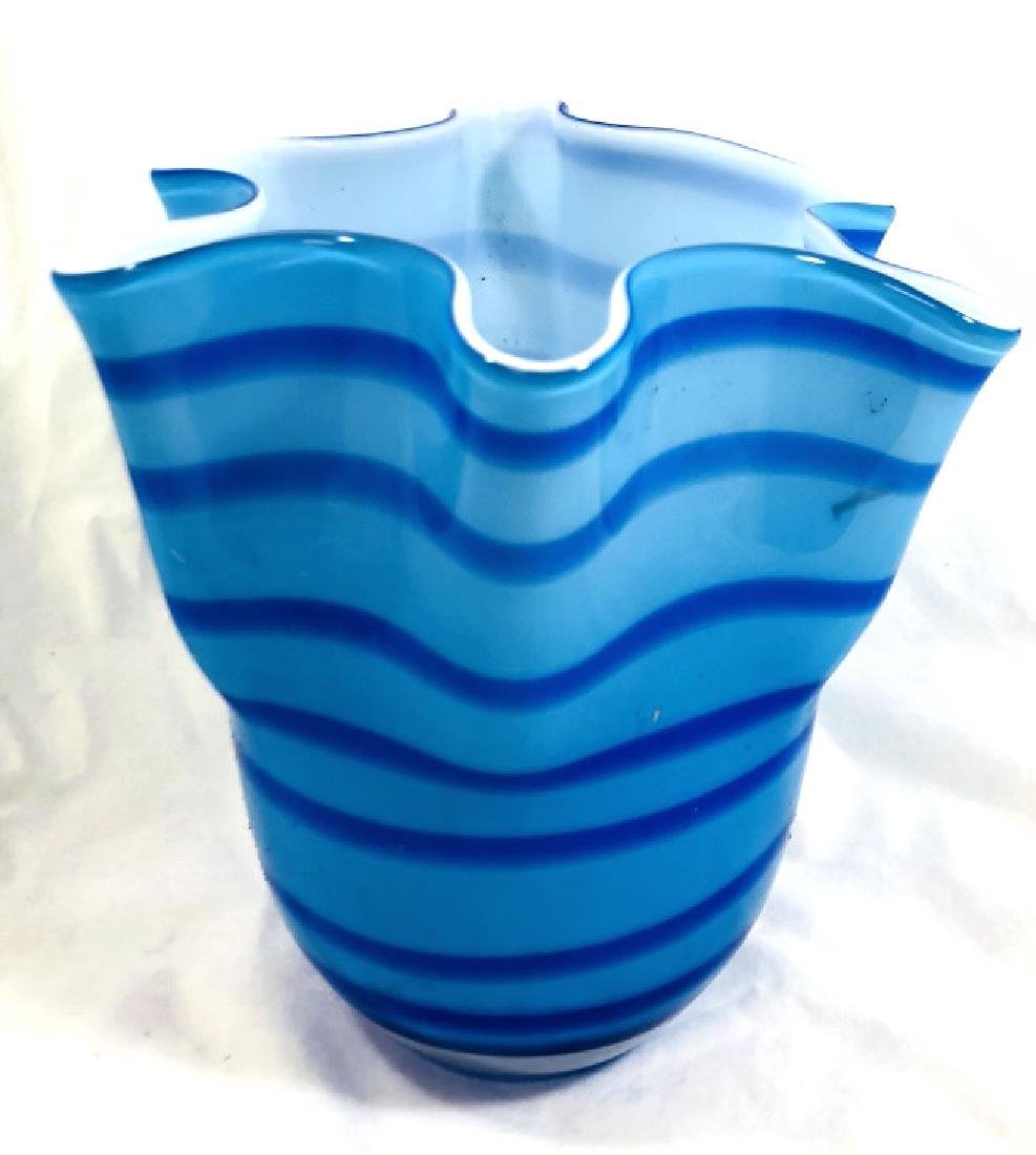 LOVELY VINTAGE MURANO BLUE SWIRL RUFFLE TOP VASE