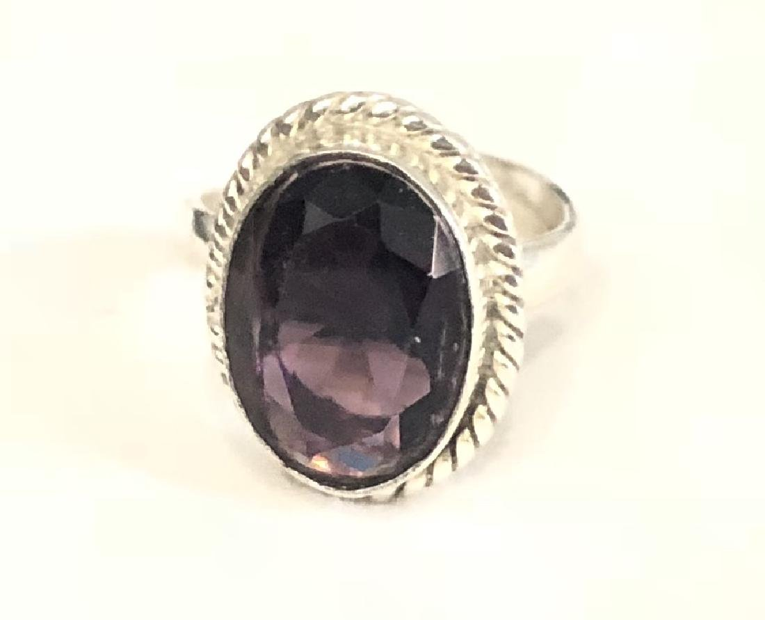 FANTASTIC 4CT FACETED AMETHYST OVAL CUT RING