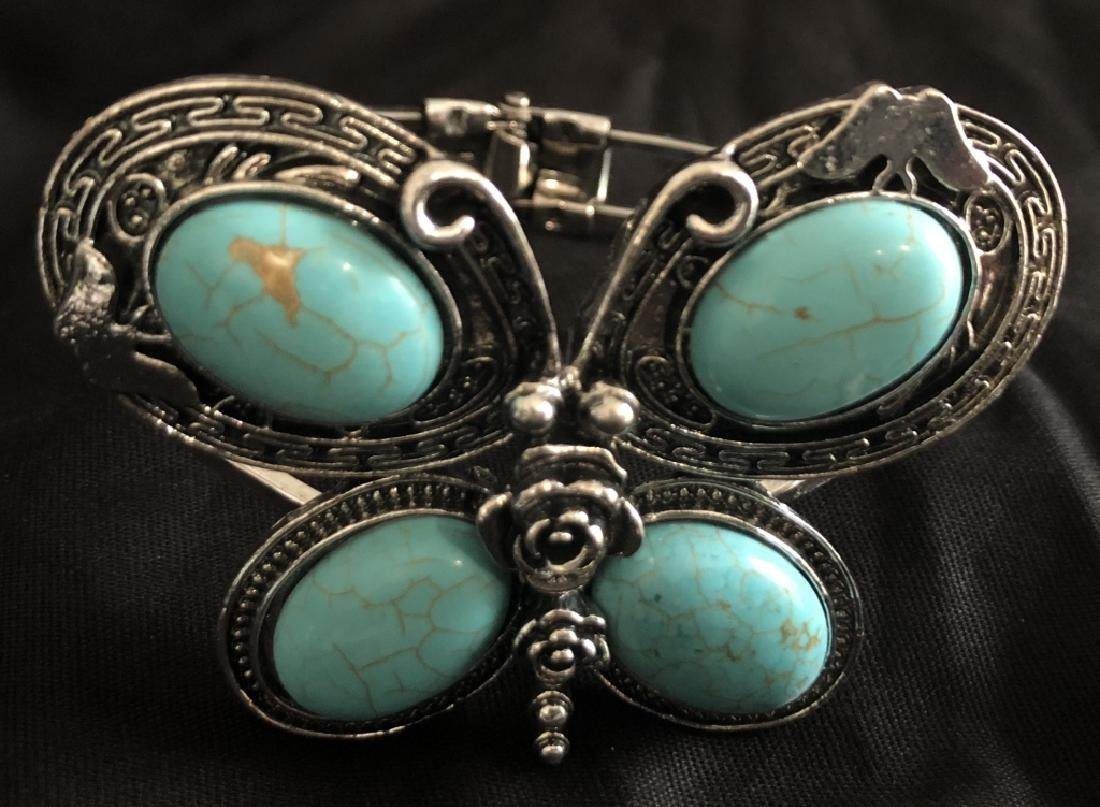 ADORABLE TURQUOISE STONE ACCENT BUTTERFLY BANGLE