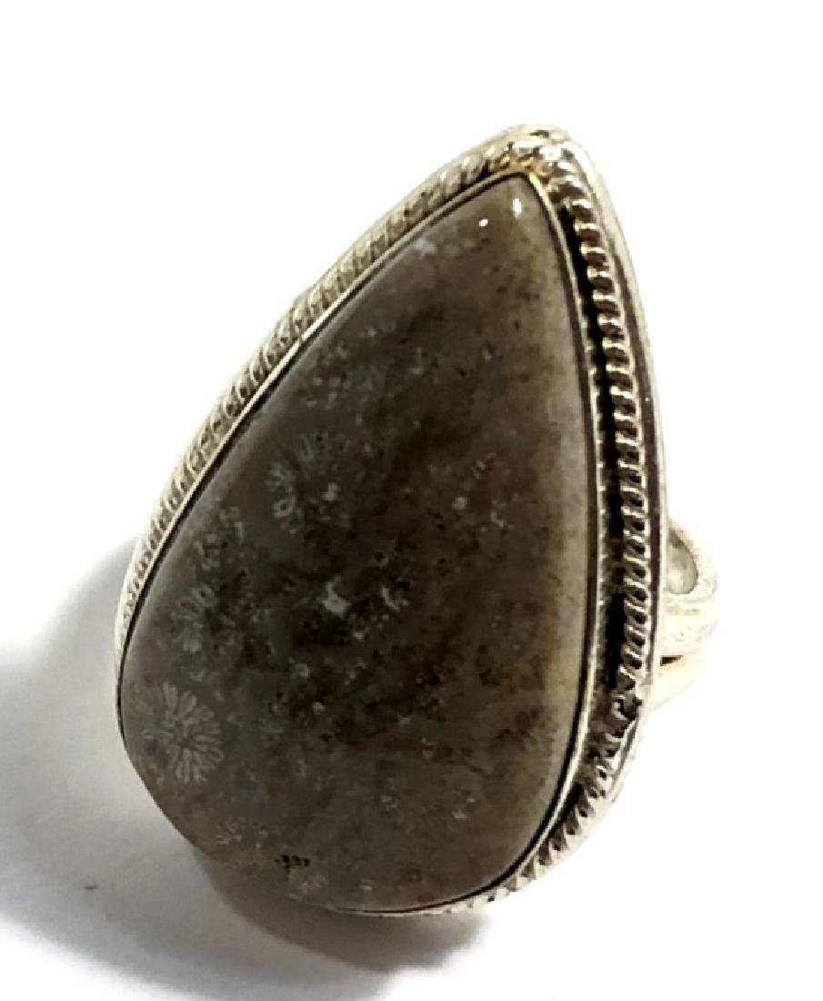 UNIQUE 14CT SMOOTH FOSSIL GEMSTONE STERLING RING