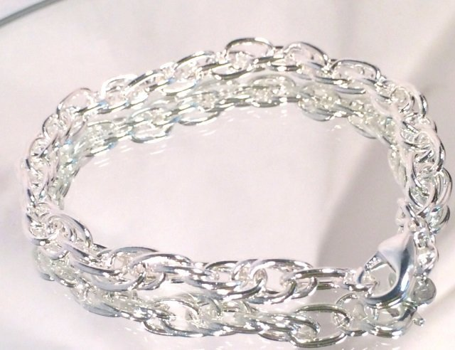 LOVELY STERLING SILVER LADIES CHAIN BRACELET