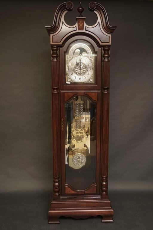 Howard Miller Grandfather Clock Outstanding