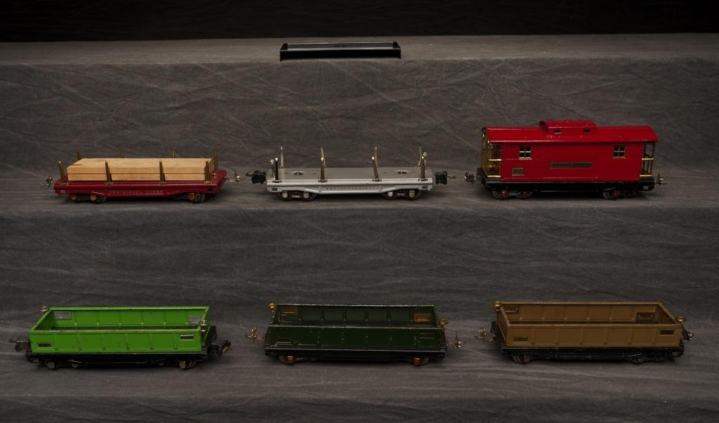 Miscellaneous Lot of Early Lionel Cars.