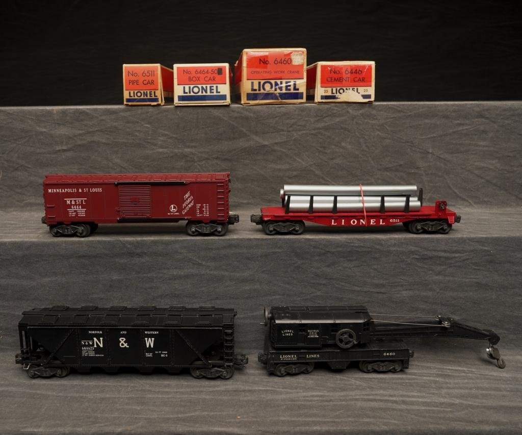 Lot of 4 Lionel Train Cars.