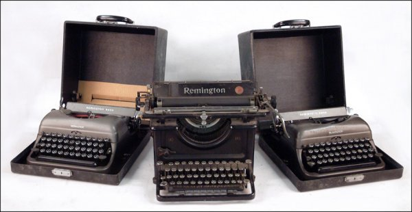 259: THREE HEBREW LANGUAGE REMINGTON TYPEWRITERS.